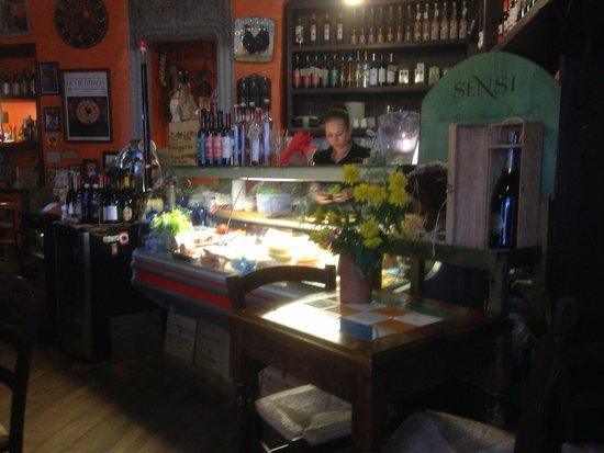 Il Gallo Nero: Interior and Deli area