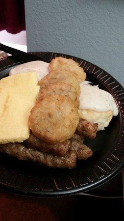 Patti's Inn & Suites: Breakfast