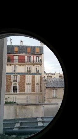 Hotel Jardins d'Eiffel : vista habitación