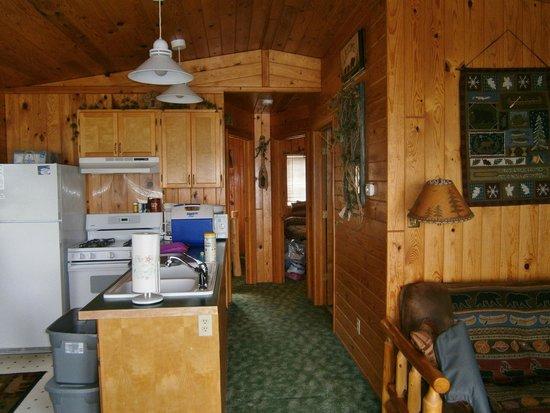 Paradise Resort: Kitchen / hallway