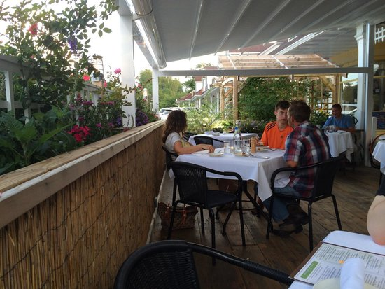 Farm To Table Bistro: Farm To Table Outdoor Seating Area