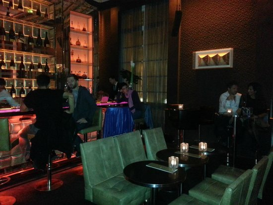 Hotel Pershing Hall: hotel bar