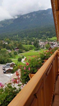 Hotel Bass: Il panorama dal balcone della mia stanza al Bass hotel