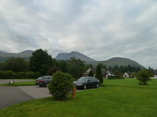 Leasona Bed & Breakfast : View of Ben Nevis directly from front of B & B