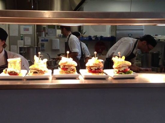 Wivenhoe House: Lunchtime beef burgers lined up
