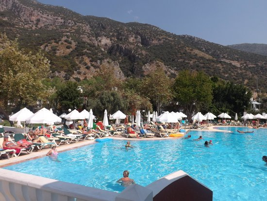 Club Belcekiz Beach Hotel: The main pool