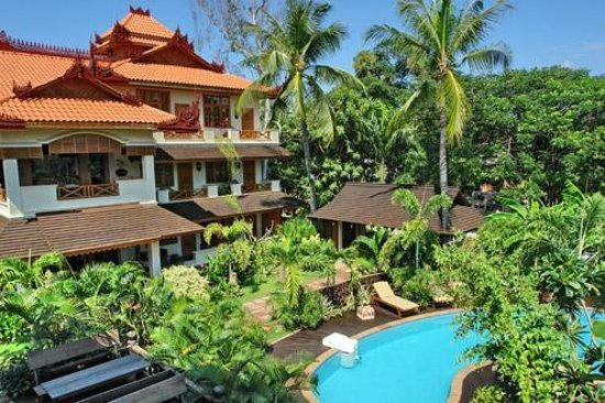 Hotel by the Red Canal, Mandalay : The grounds