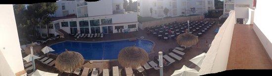 Aparthotel Ferrera Blanca: Main pool