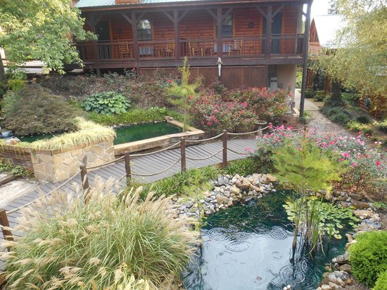 The Lodge At Tellico: Beautiful Gardens