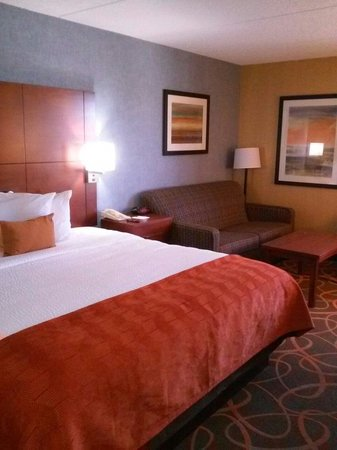 BEST WESTERN PLUS Fresno Airport Hotel: King room