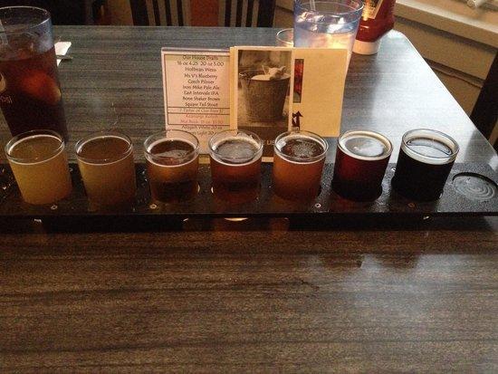Moat Mountain Smokehouse: 7-beer sampler