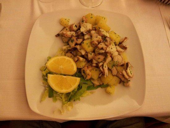 Seregno, Italy: Polipo con patate!ok