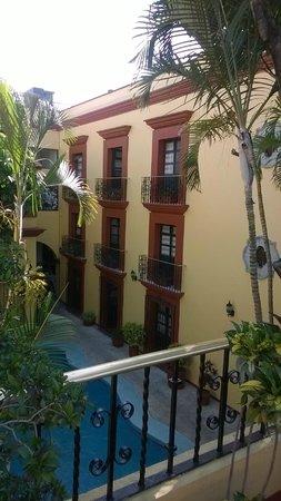 Hotel Oaxaca Real: vista del jardin en terraza al area de alberca