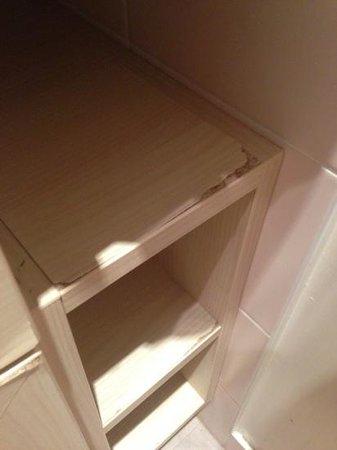 Aparthotel Adagio Paris XV: mobili del bagno