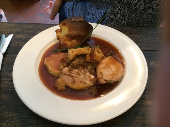 The Reservoir Inn: Pork loin Sunday Roast.
