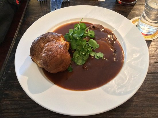 The Reservoir Inn: Roast beef Sunday lunch.