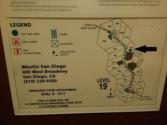 The Westin San Diego: Westin San Diego --- Room 1911 is a Deluxe Rm.. The smallest of the floor !!!