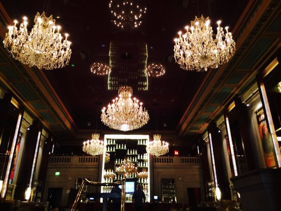 The Langham, Boston : The stunning Bond Bar !