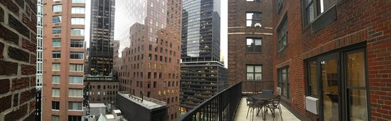 Residence Inn New York Manhattan/Midtown East: Terrasse de la suite