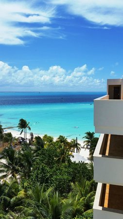 Ixchel Beach Hotel : View from our room