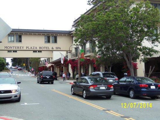 Monterey Plaza Hotel & Spa: Entrada do hotel
