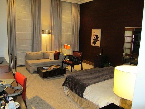 Radisson Blu Style Hotel, Vienna: View from entry hallway