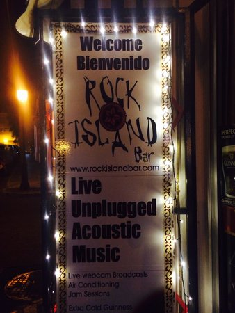 Rock Island Bar: The most amazing place in the world!