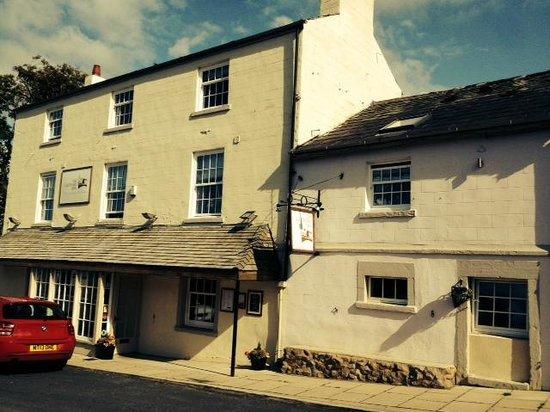 The Cartford Inn: Outside