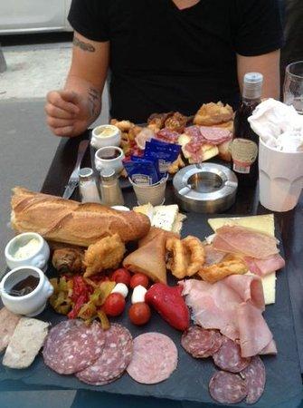 Mercure Paris Gare Montparnasse: tapas in a local restaurant!!! gorgeous