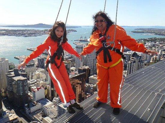 SkyJump and SkyWalk : Skywalk....Kimberley and Sashi