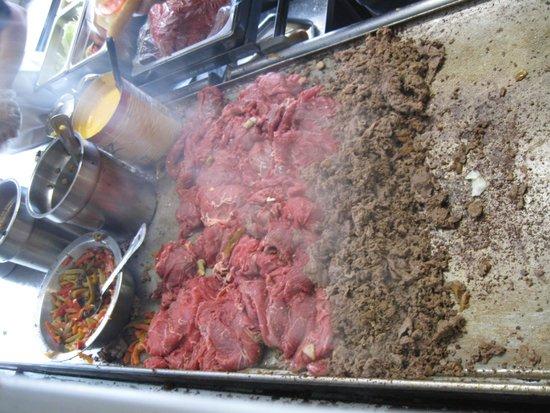 Jim's Steaks South St. : Cuisson viande