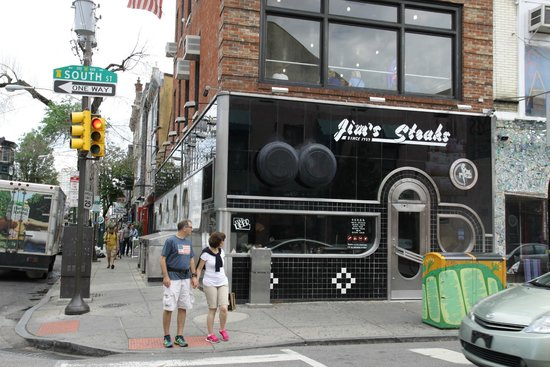 Jim's Steaks South St. : Dehors