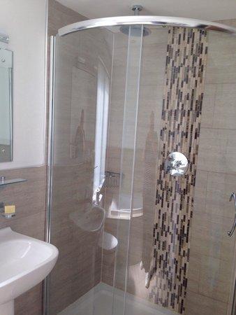 Babbacombe Bay Hotel: Double shower in Oddicombe Suite