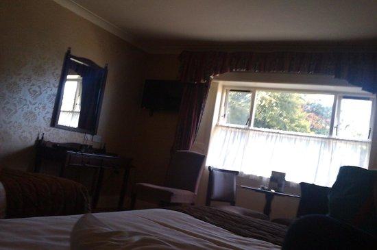 Finnstown Castle Hotel: bedroom