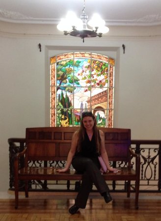 Casa das Rosas - Espaco Haroldo de Campos de Poesia e Literatura: Eu e o vitral da Casa das Rosas.