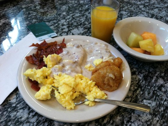 Homewood Suites by Hilton Columbus Airport: Excellent breakfast choices