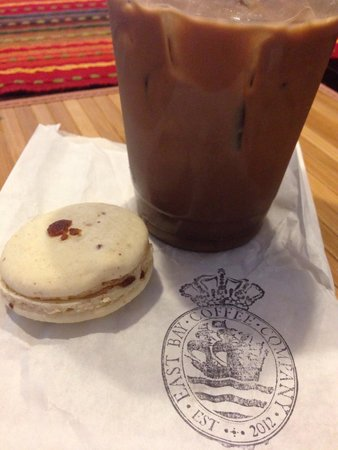 East Bay Coffee Company: Iced mocha and maple bacon macaron