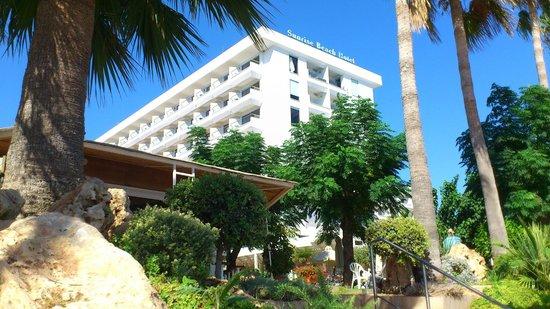 Sunrise Beach Hotel: Sunrise Exterior