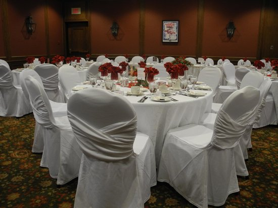 Best Western Plus Lamplighter Inn & Conference Centre: Highly recommend the chair covers