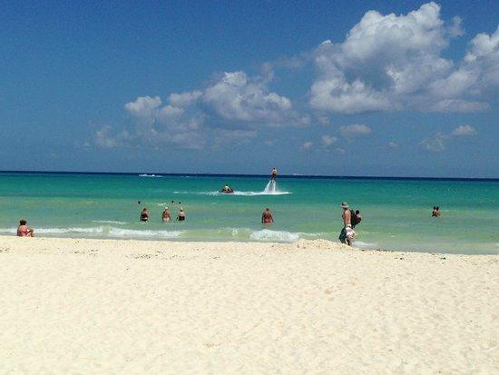 Hotel Riu Palace Riviera Maya: Beach view