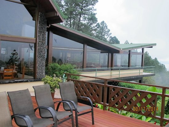 Arenal Observatory Lodge & Spa: Restaurant outside view