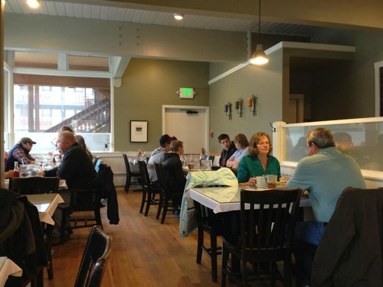 Sandpiper Cafe: Inside view