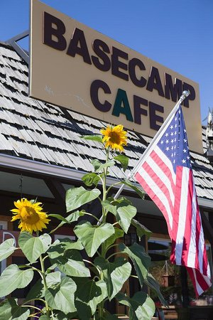 Base Camp Cafe: Come on in