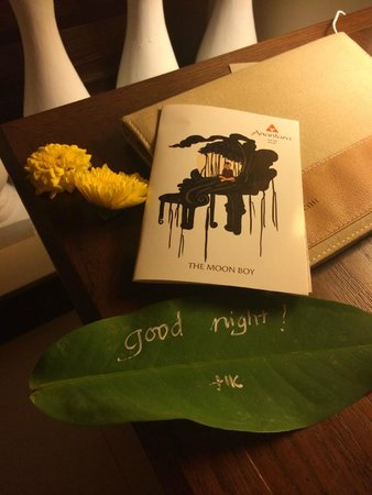 Anantara Hoi An Resort: Goodnight gift left on the bed each night