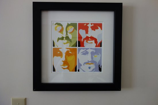 Artmore Hotel: artwork in room, the beatles
