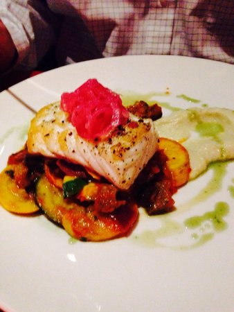 Stone Road Grille: Halibut for the main course