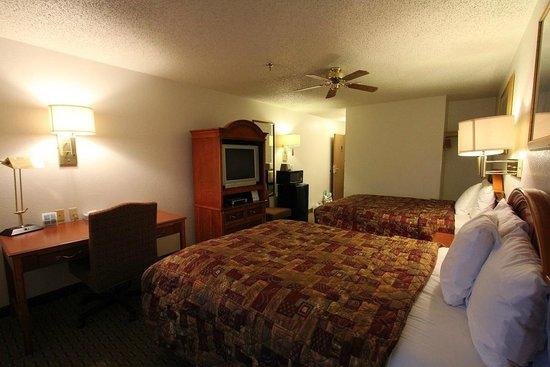 Americas Best Value Inn & Suites Cheyenne: Room.