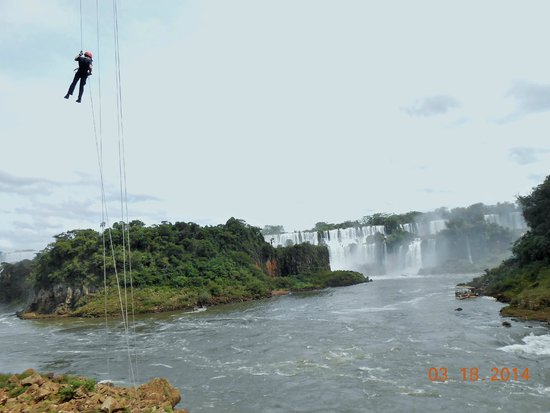 Rafting in the River Iguacu: Optional rappelling down to the river
