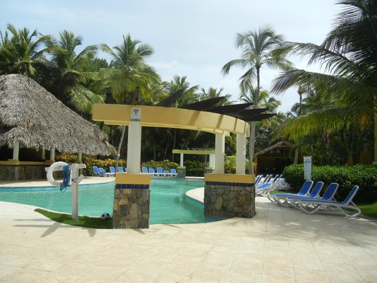 Pool picture of grand paradise samana las galeras for Pool show mississauga
