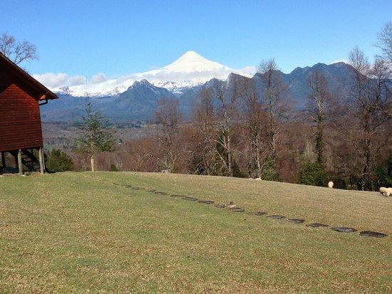 Mirador Los Volcanes: Vista de nuestra sala de la cabaña